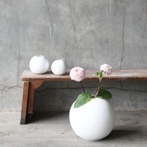 ball-vase-white1